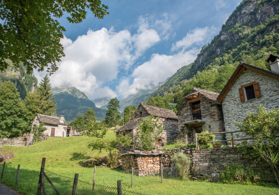 Alpen, Alps, Europa, Kanton Tessin, Pick, Schweiz, Südostschweiz, Ticino, Verzasca Tal, [sabrina], _SOCIAL CIRCLES, _THEMES, architecture, architektur, berge, buildings, ferien, gebäude, haus, hike, holyday, house, landscape, landschaft, mountains, on the way, reise, rustico, steinhaus, stone house, travel, unterwegs, vacation, wanderung, zeit mit sabrina